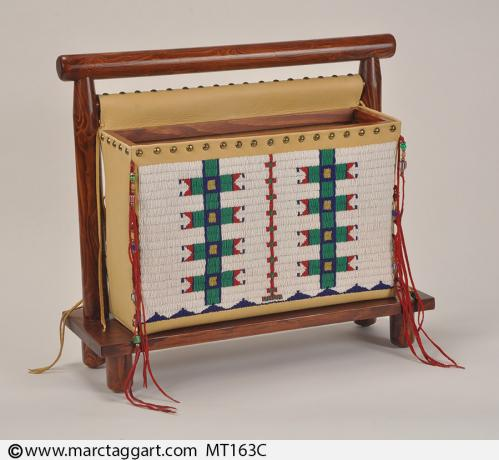 MT163C-Beaded Magazine Rack