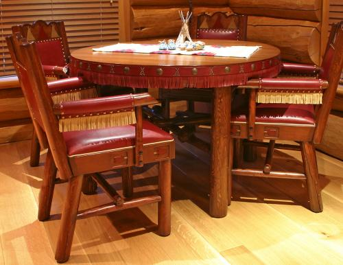 MT81-Table_w_chairs