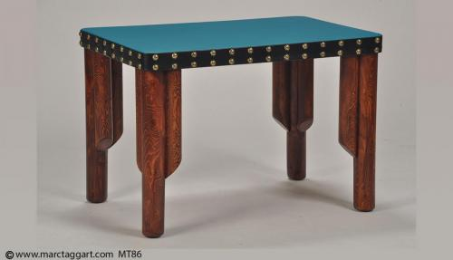 MT86 Tri Leg Living Room Table